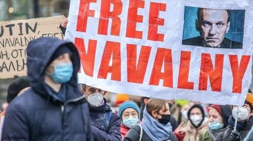 Vụ ông Navalny: Nga có hành động đầu tiên 'dằn mặt' các nước châu Âu