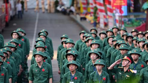 Bốn đối tượng được kéo dài tuổi phục vụ tại ngũ trong quân đội