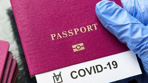 Nhiều nước xem xét cấp 'hộ chiếu vaccine' cho công dân đi du lịch nước ngoài