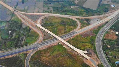 Ban ngày, xe dưới 2,5 tấn được lưu thông trên cao tốc Trung Lương – Mỹ Thuận