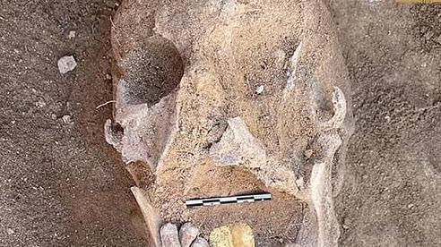 Kỳ bí xác ướp Ai Cập với chiếc lưỡi vàng vẫn còn sáng bóng sau 2000 năm
