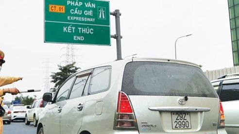 [Infographic] Vi phạm trên đường cao tốc, mức phạt thế nào?