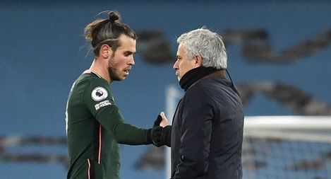 Mourinho nhận chỉ trích thậm tệ sau thất bại đau đớn trước ManCity