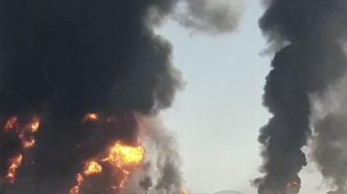 Hàng trăm xe chở nhiên liệu phát nổ ở biên giới Iran - Afghanistan