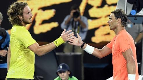 Rafael Nadal thua ngược Tsitsipas, mất cơ hội phá kỷ lục Grand Slam