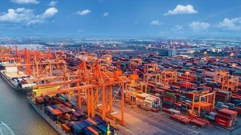 Việt Nam xuất nhập 1,67 tỷ USD hàng hóa trong 7 ngày Tết