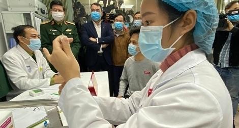 Cố gắng trong năm 2021, người dân được tiêm đủ vaccine ngừa COVID-19