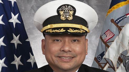 Chỉ huy mới của chiến hạm Mỹ USS John S. McCain là người gốc Việt