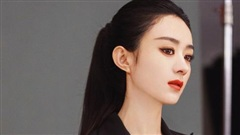 Từng bị chê quê mùa, Triệu Lệ Dĩnh giờ khiến công chúng ngây ngất bởi vẻ đẹp quyến rũ và thần thái chuẩn 'visual'