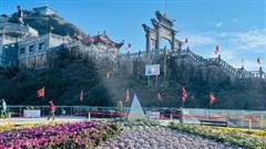 Quần thể tâm linh Fansipan 'mở cổng trời' đón Phật tử và du khách đến cầu an