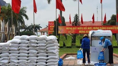 Hải Dương lắp đặt cây ATM gạo tiếp sức người dân chống dịch