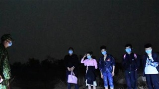 Bắt giữ 5 đối tượng người nước ngoài nhập cảnh trái phép vào Việt Nam