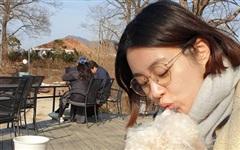 'Tình cũ Hyun Bin' Kang Sora gây chú ý với nhan sắc xinh đẹp ở tháng cuối thai kỳ