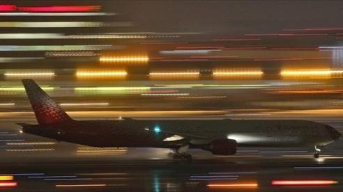 Boeing 777 hạ cánh khẩn cấp ở Nga do lỗi động cơ