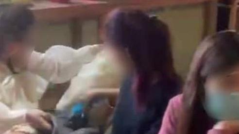 Hà Nội xử phạt 30 người không đeo khẩu trang trong quán cà phê hoạt động lén lút