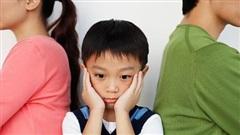 Loạt sự thật mất lòng về các bậc cha mẹ: 26% đánh con ở nơi công cộng để cho 'nhớ đời', nhiều người lại ngấm ngầm thiên vị
