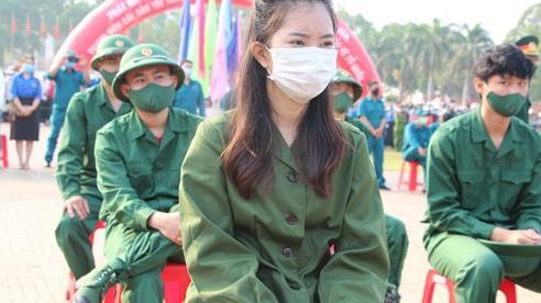 Nữ tân binh: 'Nghĩa vụ bảo vệ Tổ quốc không chỉ của riêng nam giới'