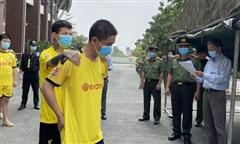 Bình Dương: Trục xuất 11 người Trung Quốc nhập cảnh trái phép