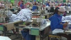 Hàng ngàn công nhân Hải Dương đi làm trở lại