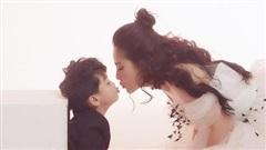 Ngọc Lan nhí nhảnh bên con trai trong bộ ảnh mừng năm mới