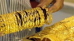 Giá vàng hôm nay 2/3: Sụt giảm mạnh, ồ ạt bán tháo