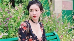 Nữ streamer U40 có 'vòng 1 đẹp nhất Hàn Quốc' khiến đàn em ghen tị vì quá nóng bỏng, fan lên stream chỉ chờ xem bờ ngực thôi là đủ hot!