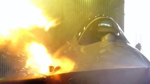Tiêm kích Su-57 phô diễn tốc độ bắn siêu nhanh