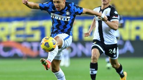Cựu sao Man United lập cú đúp, Inter Milan vững vàng ngôi đầu Serie A