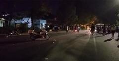 Hai xe máy vỡ nát ở Sài Gòn, 2 người chết, 2 người bị thương