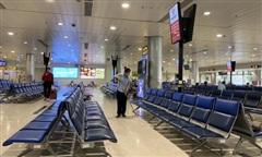 Vé bay giảm sâu, các dịch vụ tại sân bay vẫn 'chặt, chém'