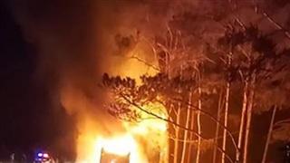 Xe khách bốc cháy khi đang lưu thông trên tuyến Quốc lộ 14