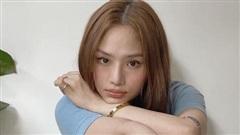 Miu Lê đăng bộ ảnh 'Ăn quá trôi hết son' nhưng vẫn xinh