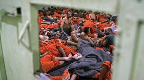 Tướng Anh tiết lộ số phận hàng ngàn tù nhân IS ở Syria