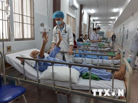 Cứu sống bệnh nhân 84 tuổi đột quỵ nặng kèm nhiều bệnh lý