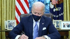 12 bang liên minh kiện ông Biden vì một sắc lệnh được ký trong ngày đầu đương nhiệm