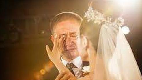 Bố dạy con gái 4 điều mà đàn ông nào cũng muốn vợ có để gia đình hạnh phúc