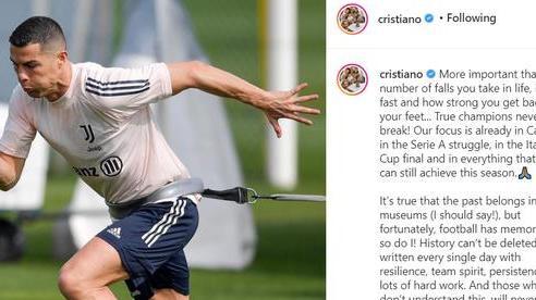 Hứng chỉ trích sau thất bại ở Champions League, Ronaldo lần đầu lên tiếng