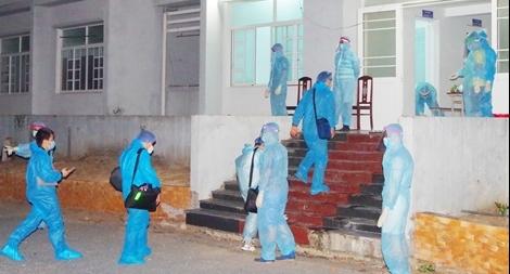 Cho thân nhân 26 trẻ em về từ Hàn Quốc được vào khu cách ly chăm sóc