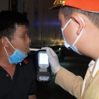 CSGT xử lý hơn 600 trường hợp vi phạm nồng độ cồn trong ngày đầu ra quân