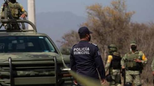 Đoàn xe cảnh sát Mexico bị phục kích, hàng chục sĩ quan thiệt mạng