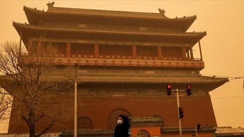 Bão cát lớn bất ngờ, Trung Quốc đau đầu vì ô nhiễm không khí
