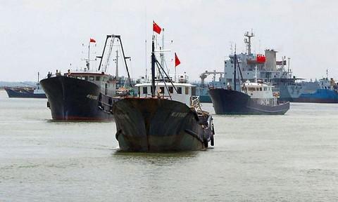 Philippines cảnh báo 220 tàu Trung Quốc tràn xuống Biển Đông