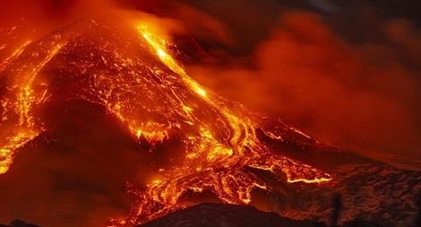 Sức hủy diệt 'khôn lường' của ngọn núi lửa mạnh nhất châu Âu