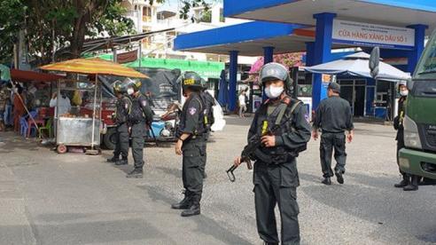 Diễn biến 'vụ bôn lậu, sản xuất 200 triệu lít xăng giả': Khám xét cây xăng ở TP Hồ Chí Minh
