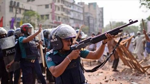 Sau biểu tình đẫm máu, Bangladesh triển khai lính biên phòng nhằm duy trì trật tự xã hội