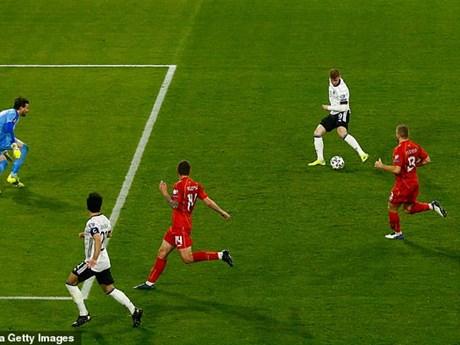 Werner bị chế giễu sau pha bỏ lỡ khó tin ở trận thua sốc của Đức