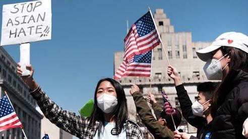 Người gốc Á tại Mỹ vẫn bị tấn công
