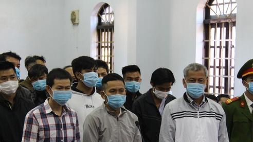 Phiên tòa xử đại gia xăng dầu Trịnh Sướng: Hồ sơ chở bằng ô tô tải