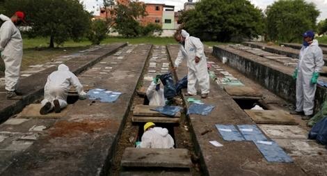 Brazil xây 'siêu hầm mộ' vì quá nhiều ca tử vong do COVID-19