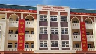 Bắc Giang: Nam sinh bất ngờ ngã từ tầng 2 trường học xuống đất, phải phẫu thuật sọ não